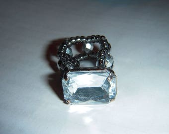 Very pretty ring with synthetic White Pearl