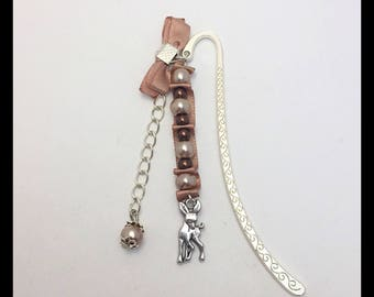 "Bookmark ""Fawn"" satin and glass beads"