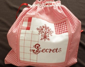 Lingerie bag in gingham with applique patchwork and embroidery