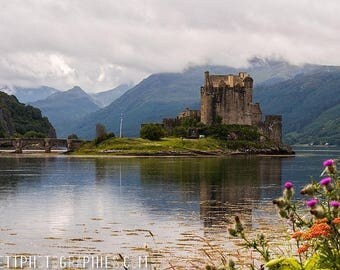 Photograph on aluminum of a castle in the Highlands of Scotland 40x60cm