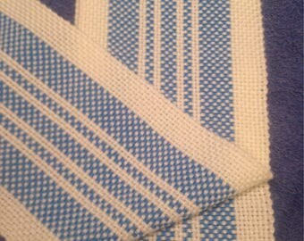 Woven blue/cream scarf