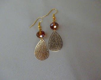 Vintage gold charm, Perle Caramel earrings.