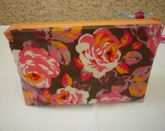Nice toiletry bag coated Interior vintage floral cotton