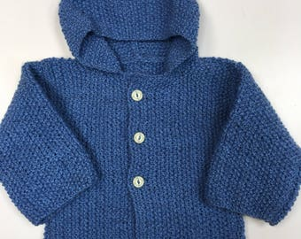Boy 1 year knitted in MOSS stitch hooded vest