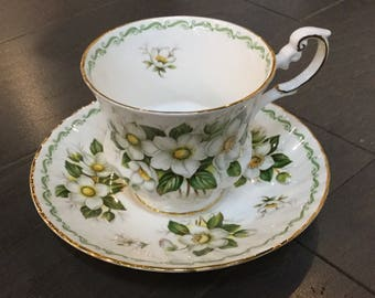 """Rosina Bone China Teacup """"Christmas Rose"""" Queens Special Flowers"""