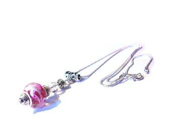 Necklace vintage 925 sterling silver, glass bead pink background