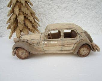 Wooden car with a front 11 CV Citroen.