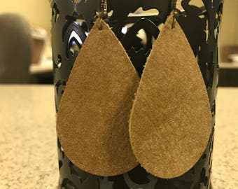 Large tan smooth leather teardrop earrings