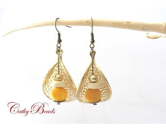 Golden ears, Velvet bead earrings