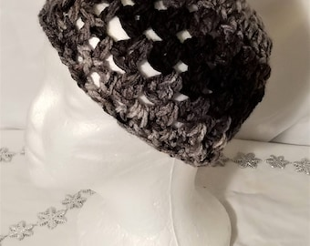 Messy Bun / Ponytail Beanie - Verigated Grey/Brown