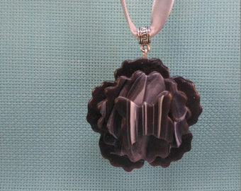 §77§ marbled while polymer pendant