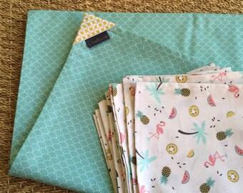 Tablecloth 155 x 210 cm + 8 Mint green and ecru napkins