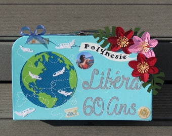 Birthday box, suitcase, travel theme in Polynesia, beach, Palm, coconut, sand, ocean, flowers, blue color, customizable.