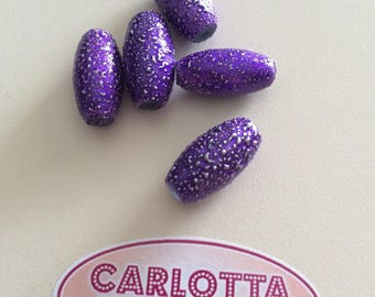 Embossed purple plastic bead