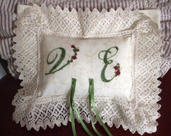 Pillow door wedding rings with hand-embroidered initials