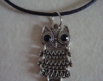 Fancy silver articulated OWL pendant necklace