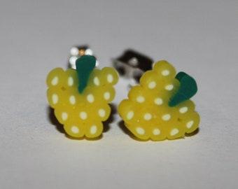 Grape Earrings / Grape Studs / Fruit Studs / Kawaii Grape Studs / Kawaii Grape Studs / Kawaii Fruit Earrings