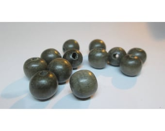 12 wooden beads grey - 10 / 11mm - natural shades