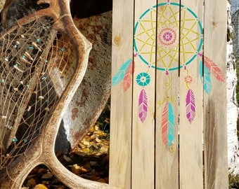Rustic Barnwood Dream Catcher Sign, Home Decor. Dream Catcher. Wall decor. Wood, Home made, colourful dream catcher. Feathers.