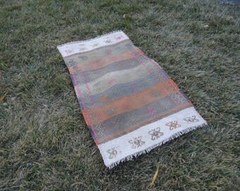 FREE SHIPPING !!Kilim rug,hand made rug,rustic decor,Turkish vintage rug,37'' x 22'' ,interior design,wall rug,flat woven rug,piless rug