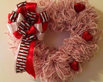 Valentine wreath,Front door wreath, white and red heart wreath, valentines wreath, mesh valentines wreath, Valentine heart wreath, Farmhouse