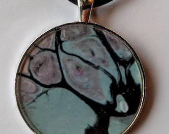 Unique round pendant necklace
