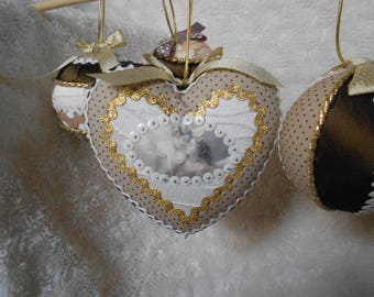 5 balls and Christmas beige ivory heart.