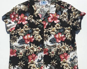 Hawaiian Print - Cropped - Women's - Fitted - Short Sleeved - Button Up - Size XL