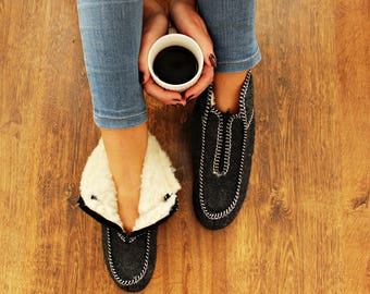 FELT slippers with warm fur winter moccasin women men  grey sheep natural wool boots felted slippers woolen indoor shoes russian valenki