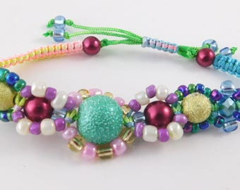 Distinctive green and pink macrame bracelet