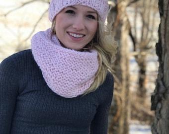 Knitted beanie with pom pom