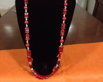 Necklace with synthetic pearls