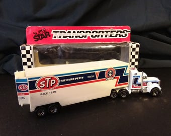 1991 Richard Petty Super Star Transporters Matchbox tractor trailer