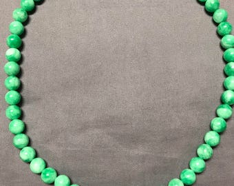 Vintage green bead serpentine necklace