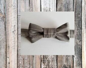 Grey Arrow Bow tie