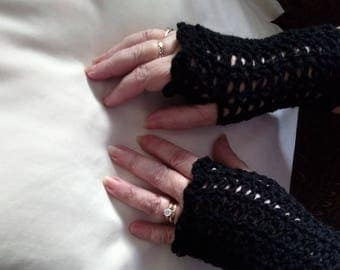 Beautiful Handmade Fingerless Gloves. Can ship before Christmas. Order these or custom colour. One size.
