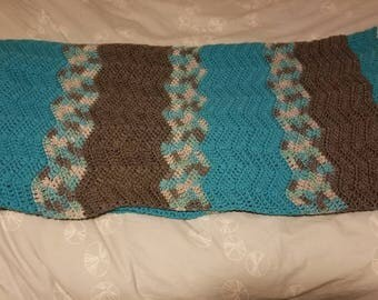 Turquoise and Gray ripple pattern afghan