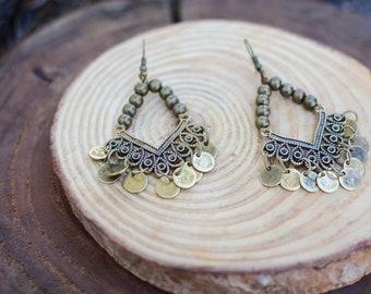 handmade earrings,boho jewelry,ethnic jewelry,bohemian fashion,minimal earrings,boho chic,handmade jewelry,brass earrings,brass beads,jwls