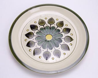 Hand painted Montego stoneware dinner plate 1970s made in Japan modern