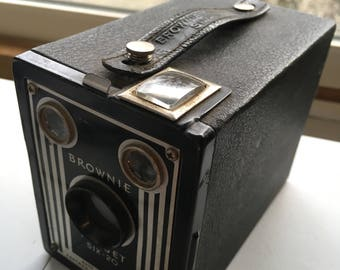 Vintage Six-16 100mm Brownie Box Camera