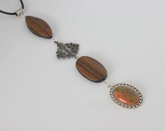 Original vertical necklace finished wood, silver and matching cabochon.