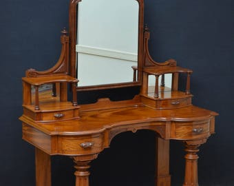 SN4122 Victorian mahogany dressing table