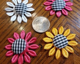 Cute Padded Applique Gingham Daisies 15 Pieces for sewing/doll making/hairbow/scrapbooking/crafts, etc.