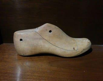 Wood shoe mold (cobbler tool)