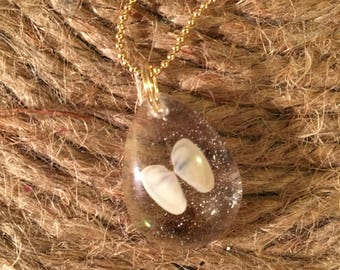 Resin seashell necklace