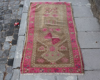 pink color turkish rug,  2.4 x 4.4 ft. anatolian rug, Free Shipping, middle size turkish rug, handknotted area rug, tribal rug, MB476