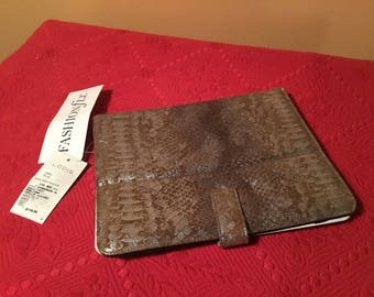 Ladies Faux Snakeskin I Pad cover
