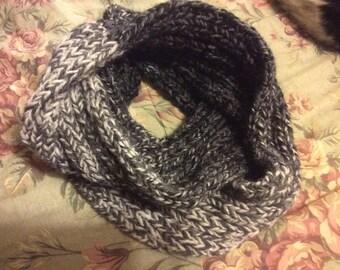 Gray/bkack/cream Cozy Wool infinity scarf