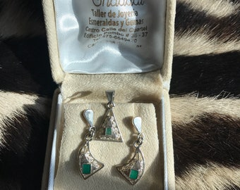 Emerald filigree earrings and pendant in silver 950