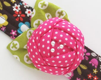 Flower Wrist Pin Cushion Cuff | Wrist pincushion bracelet made from pink polka dot and retro floral print fabric. Makes a great sewing gift!